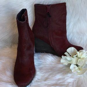 🆕Calvin Klein Odille Burgundy Wedge Boots